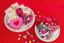 Valentine's Day Crafts and Ideas / Valentine's Day and all things love. this board has crafts with hearts and more to celebrate love and St. Valentine.