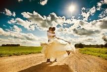 The Groom & The Bride, lovely moments / Momentos únicos donde se pueden ver a los recién casados enamorados y felices