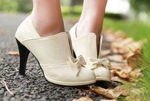 Botines para novias / Para las novias que se casan en invierno, una buena idea puede ser de usar botas o botines