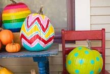 Holiday-Halloweenie / by Nathalie Potvin