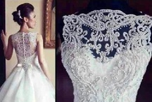 Weddings-Say yes to the dress / by Nathalie Potvin