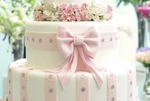 Beautiful Cakes ♥ 1 / These are cakes with no recipes~just beautiful to look at! / by Dinah Roberts
