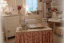 Home Office & Craft Rooms / ♥ Beautiful Spaces to Work or Create In ♥