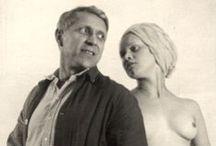 František Drtikol / František Drtikol (1883 - 1961) est un photographe tchèque né à Příbram le 3 mars 1883 et mort à Prague le 13 janvier 1961. De renommée internationale, il est surtout connu pour ses photographies de nus et ses portraits influencés par le futurisme et le cubisme tchécoslovaque.