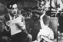 Roger Caillois / Roger Caillois, né le 3 mars 1913 à Reims et mort le 21 décembre 1978 au Kremlin-Bicêtre, est un écrivain, sociologue et critique littéraire français. Il fait, en 1938, la rencontre Victoria Ocampo, qui l'invitera à séjourner chez elle, en Argentine, durant la Seconde Guerre mondiale. De retour en France, il anime chez Gallimard la collection « La Croix du Sud », spécialisée dans la littérature sud-américaine, traduit et publie les nouvelles fantastiques de Jorge Luis Borges.