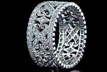 Jewelry - Gioielli / by Occhi Ondolo