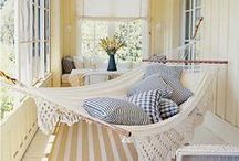 Swinging hammocks / A delicious cubby to dream in...