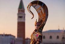 Carnevale di Venezia / Un viaggio lungo un giorno tra le calli più rinomate della capitale del carnevale italiano: Venezia. Noi ci siamo persi tra i suoi colori, le sue storie, le sue maschere. La festa continua sul nostro magazine: www.dalani.it/magazine/news-trends/carnevale-venezia/