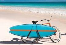 Surf in U.S.A. / On the road, alla scoperta delle spiagge più belle e selvagge dell'America, dove poter cavalcare onde maestose. Giornate libere e spensierate, che si concludono con magici party sulla sabbia. Tutto questo è Surf in U.S.A.!