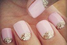 (pretty nails make the world a better place) / I don't like plain nails, I get sad.