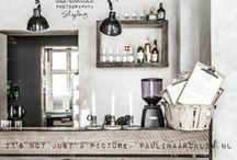 cafés \\ restaurants \\ bars