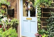 Floors & Doors / To make a feature of your home's entrance, paint the front door and its complete frame in one colour - this will make it look bigger and more imposing. Consider the paint finish as well as the colour, Exterior Eggshell creates a relaxed, contemporary feel, while Full Gloss looks more classic and traditional.