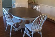 Dining Room Table, Vintage Shabby Chic Painted kitchen, english country rustic cottage, farmhouse / Vintage shabby chic painted dining room kitchen table and chairs