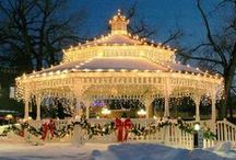 Lights All Aglow! / Beautiful Christmas Lights / by Susan Robbins Mauriello