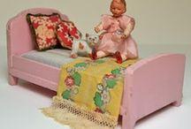 Dolls/Dollhouse