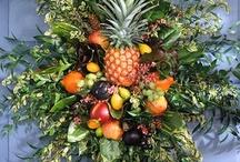 Wreaths & Swags, Flora Arrangements / by Bonnie