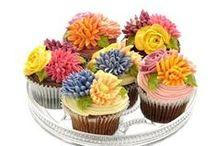 Cupcakes / by Anskee Bowers