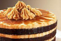 Cake & Cupcakes / Cake and cupcakes