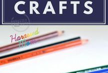 Easy Crafts / I love crafts. I would spend all day making things if I had endless time and money. These are a easy crafts that can be done with your kids. #crafts #kidscrafts #easycrafts #thingstodowithkids #funcrafts