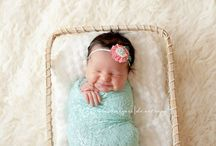 Photography | Maternity + Newborn / Photography inspiration for maternity and newborn sessions.