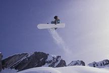 Snowboard / Le CNED permet à tous les sportifs de vivre leur passion tout en continuant leurs études.   Pratiquer le snowboard à haut niveau et suivre avec succès des cours, c'est possible !