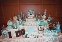 Sweet Treats & Candy Tables / After the cake, some couples like to offer their guests another sweet treat during the evening!