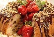 Cakes / Yummy stuff!!! / by Kim Baker