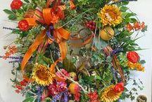 Wreaths / by Lisa Lippincott