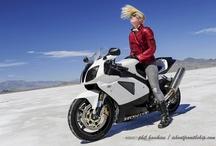 Motorcycles / by Nikki Rountree