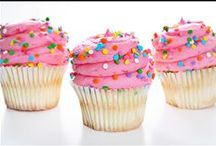 Cupcake Craze / Loads of cupcake recipes.  Chocolate and Vanilla to candy bars and exotic flavor recipes with delicious frostings.