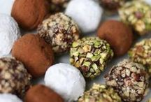 Tons of Truffles / All things truffle - from chocolate to exotic flavor truffle recipes