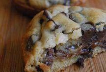 Recipes : Sweet Treats / by Kelli Berry