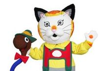 Huckle Cat and Lowly Worm / Bring Richard Scarry's Busy World into your own busy world with beloved characters Huckle Cat and Lowly Worm! Whether together or separate, these two classic Richard Scarry characters bring to life the colorful and playful world of Busytown.
