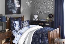 L / Blue & Grey theme (grey walls / navy curtains)