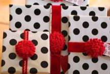 GIFT WRAPPING / by Kimberly Cox