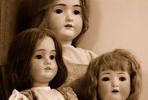 dolls / Porcelain dolls