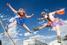 """Trampoline Burning Man  / Les trampolines ont clairement leur place au plus grand Festival du Monde :  Le """"Burning Man"""" .  Le festival Burning Man est une grande rencontre artistique qui se tient chaque année dans le désert de Black Rock au Nevada, aux Etats-Unis. Elle a lieu la dernière semaine d'août. Les trampolines y sont invités chaque année !"""