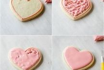 Cakes and Cupcakes / Delicious recipes and decorating ideas for cakes and cupcakes