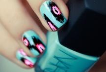 Nails / by Lauren Geniviva
