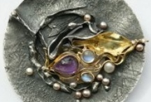 Jewelry Know How / Tips, tricks and tutorials / by Diana Paris