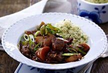 Kochrezepte: Lamm / Ob Festtags-Braten oder schnelles Fleischgericht - hier gibt es Abwechslung für Lammliebhaber.