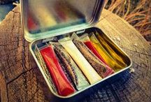 Altoids Kits / Altoid tins are SO versatile and are a great vessel to use to make all kinds of micro kits. They can be used as tiny survival kits, pocket fishing kits, sewing kits, buddy burners, cooking containers, repair kits, spice kits and so much more! The list of uses for Altoid tins is endless!