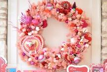 Valentine's Day Wreaths / The many ways you can decorate a Pretty In Pink Wreath for Valentine's Day!