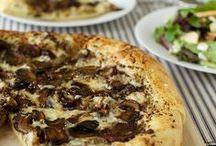 {Recipes} Pizza / Pizza please  Vegetarian pizzA Meataterian pizza