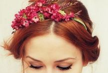 Flor no cabelo