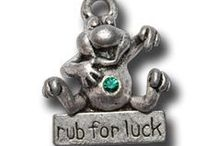 Lucky Frog Charms / Everyone needs a little luck on their side.  Owning any of these Lucky Frog charms may just deliver that extra edge or confidence needed to make your dreams come true! / by Cindy Sugai