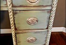 Antique &  Distress Furniture > Painting Ideas / by Jacqueline Zarak