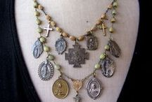BAUBLES / Idea's and tutorials for jewelry. / by Marie Cheek