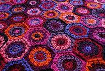 Crochet: Hexagons / Six sides to beauty. / by Edna Lötter Botha