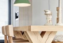 diningroom / diningroom in natural colours - wood, steel, concrete floors in a relaxed atmosphere